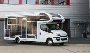 Motorhome elétrico abastecido por energia solar é criado por fabricante alemã